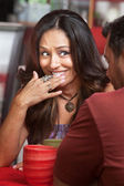 Beschaamd dame glimlachen — Stockfoto