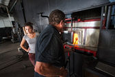 Glass Workers at Kiln — Stockfoto