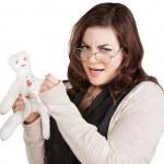 Dame offensée avec poupée vaudou — Photo