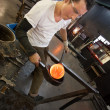 Man Working with Hot Glass — ストック写真