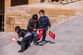 Three unidentified boys at the Antkabir in Ankara, Turkey — Stok fotoğraf