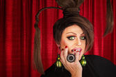 Drag queen staren — Stockfoto