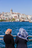 Muslim women on the Bosphorus — Foto de Stock