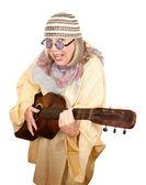 Gitar ile deli yeni yaşında kadın — Stok fotoğraf
