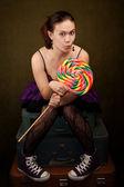 Dziewczyna z lizak — Zdjęcie stockowe