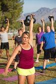 женщина преподавания фитнес-класс — Стоковое фото