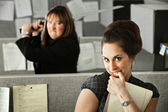 Woman Threatening Coworker — Stock Photo