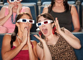 Amazed Women Watch 3d Movie — Zdjęcie stockowe
