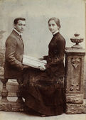 Vintage photo of young man and woman. — Stock Photo