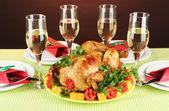Bankettbord med stekt kyckling närbild. tacksägelsedagen — Stockfoto
