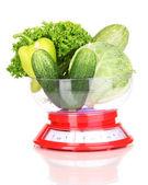 Verse groene groenten in schalen geïsoleerd op wit — Stok fotoğraf
