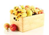 Stilleven voor fruit in een doos geïsoleerd op wit — Stockfoto