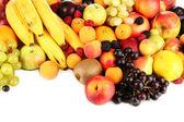 Bodegón de close-up de fruta aislado en blanco — Foto de Stock