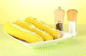 Milho cozido com manteiga e especiarias — Fotografia Stock