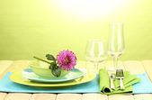 Table setting on bright background close-up — Stock Photo