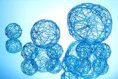 青い背景の美しい装飾的なボール — ストック写真