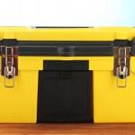 Желтый инструментальных средств на синем фоне крупным планом — Стоковое фото #13351395