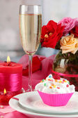 A delicious creamy dessert on celebratory table of Valentine's Day on room — 图库照片