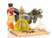 Set di ingredienti e spezie per cucinare isolato su bianco — Foto Stock