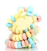 彩色糖果被隔绝在白色的绳子 — 图库照片