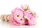 Bouquet di fiori di eustoma, isolato su bianco — Foto Stock