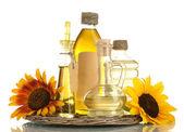 óleo em frascos e girassóis, isolados no branco — Foto Stock