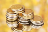 Renkli arka plan üzerinde euro coins — Stok fotoğraf