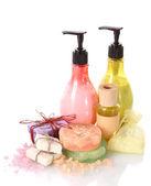瓶、 肥皂和海盐上白色隔离 — 图库照片
