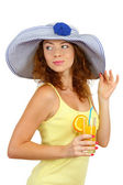 Smiling beautiful girl with beach hat and cocktail isolated on white — ストック写真