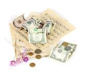 заметки с деньгами, изолированные на белом фоне — Стоковое фото