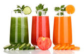 Fresh vegetable juices isolated on white — Foto Stock