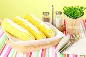 Kokt majs med smör och kryddor — Stockfoto