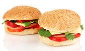 Apetyczne kanapki na białym tle — Zdjęcie stockowe
