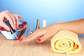 Gentle care of nails in a beauty salon — Stockfoto