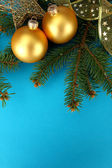 Beautiful christmas composition on blue background — Photo
