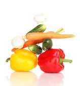свежие овощи, изолированные на белом фоне — Стоковое фото