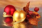 圣诞装饰灯背景上 — 图库照片