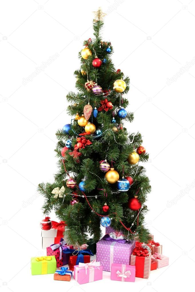 Украшенная елка с подарками, изолированные на белом фоне ...: http://ru.depositphotos.com/16237435/stock-photo-decorated-christmas-tree-with-gifts.html