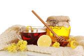 Ingredienti sani per rafforzare l'immunità sulla sciarpa calda isolato su bianco — Foto Stock