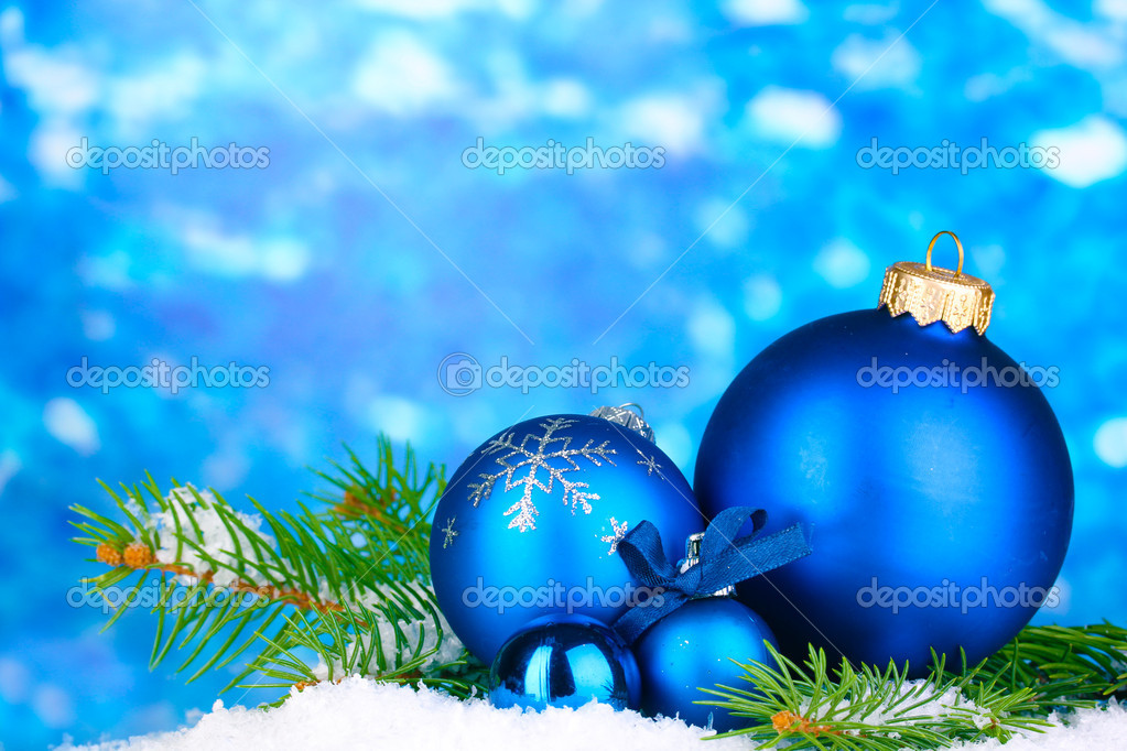 Christmas decoration on blue background — Stock Photo #16603727