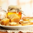 White bread toast with honey and cup of coffee in cafe — Foto Stock