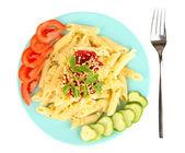 孤立在白色的西红柿汁通心粉意面菜 — 图库照片