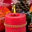 Christmas candle on serving Christmas table background close-up - 图库照片