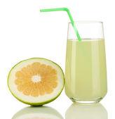 在玻璃和旁边它隔绝在白色的甜心亲爱的美味果汁 — 图库照片