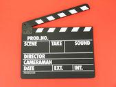 Film produkcji klapy deska na kolor tła — Zdjęcie stockowe