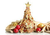 内装は、白で隔離される乾燥したレモンの美しいクリスマス ツリー — ストック写真