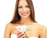 красивая молодая женщина с лилией, изолированные на белом — Стоковое фото