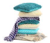 山多彩枕头和毯子上白色隔离 — 图库照片