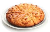 Sabroso pastel casero, aislado en blanco — Foto de Stock