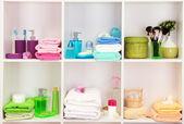Acessórios de banho em prateleiras no banheiro — Foto Stock